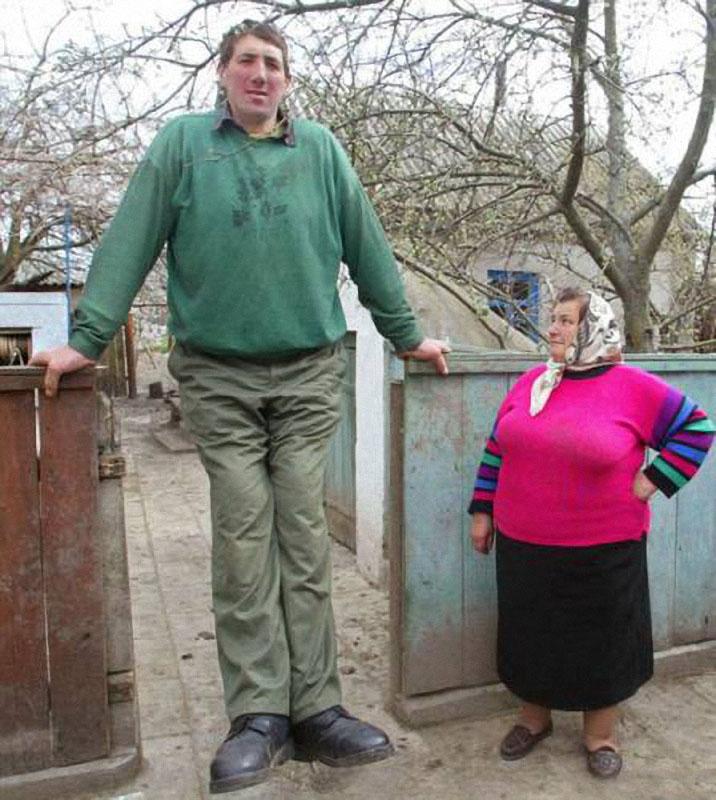 Leonid Stadnyk, el hombre más alto del mundo - Abadía Digital
