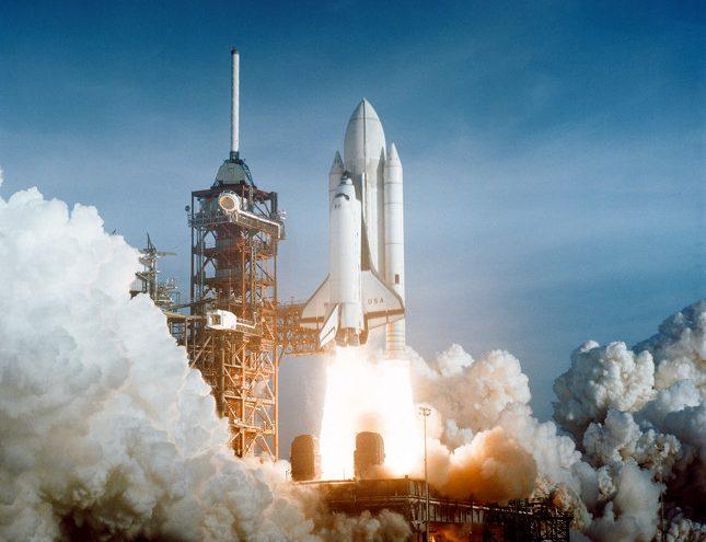El primer despegue de un transbordador espacial