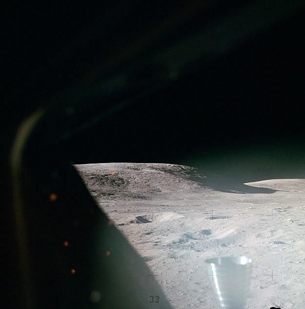 Superficie de la Luna vista desde el Módulo de Descenso Lunar Orión