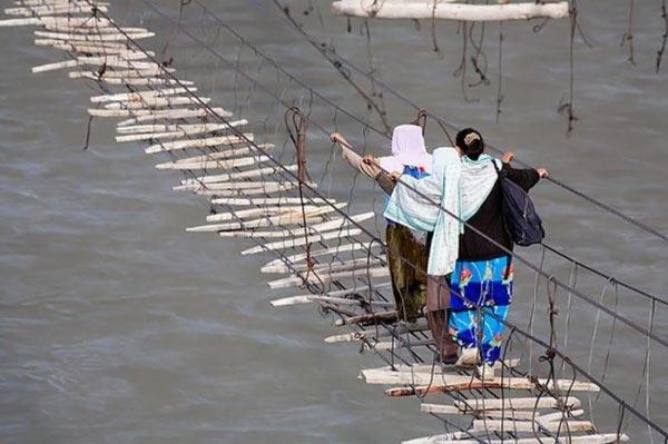El increíble puente colgante Hussaini