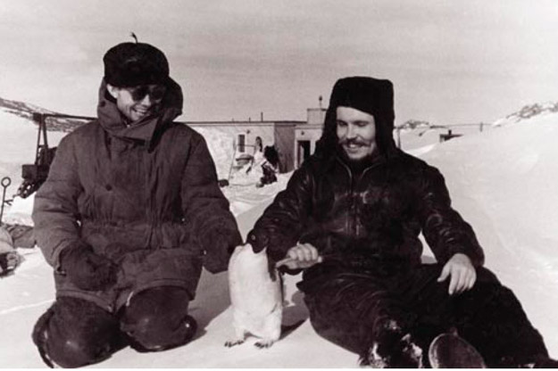 Antártida, 1961: un cirujano soviético se extirpa su propio apéndice