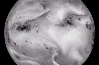 La Tierra vista en luz infrarroja
