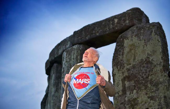 Buzz Aldrin reclama vehementemente que vayamos a Marte